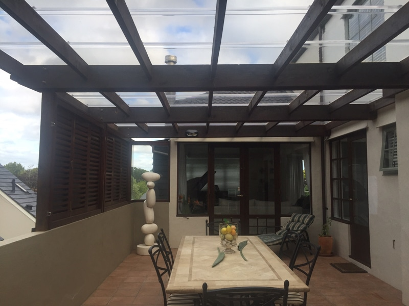 Outdoor eating area using clear Custom Glaze 600 sheet on the root